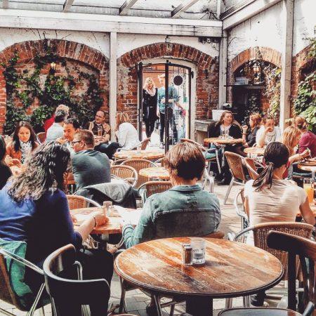 Café an der Uni