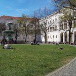 geschwister-scholl-platz-Platz München zu Fuß