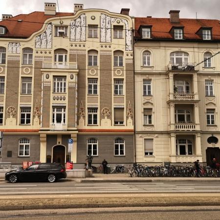 Leopoldstrasse 77